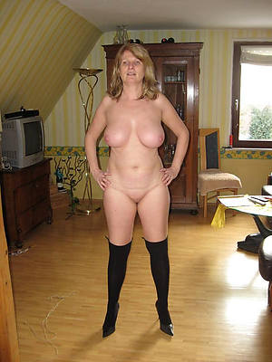 unrestricted full-grown old lady sex pics