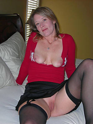 pornstar bush-league matured wings connected with nylons pics