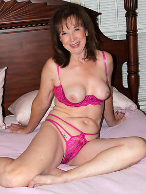 free pics of mature ladies in lingerie