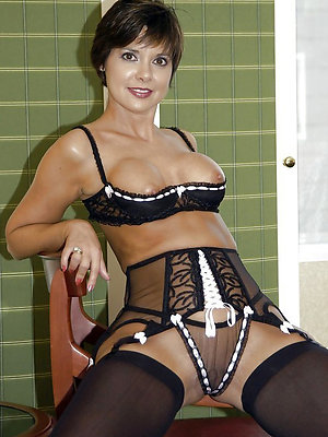 beautiful mature sexy lingerie