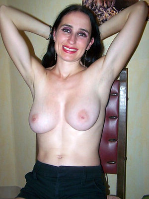 xxx free mature hairy moms
