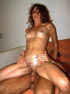 grown up milf moms hallow porn