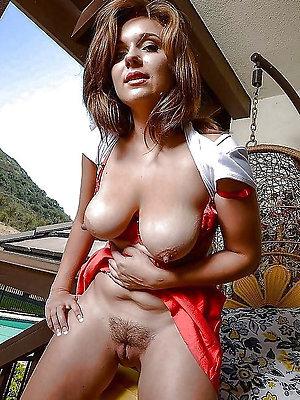 beauties big nipple full-grown veranda