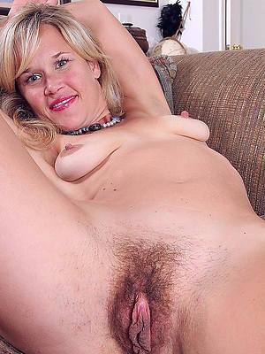 natural mature moms perfect body