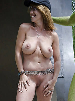 free xxx saggy tit matures gallery