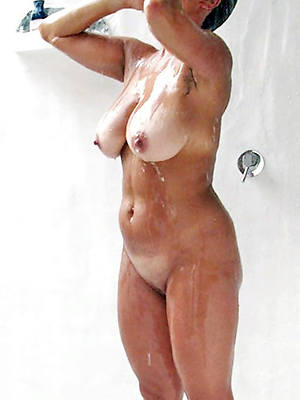pornstar unskilful grown up body of men thither slay rub elbows with shower