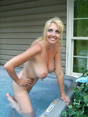 nude mature amateurs having sex