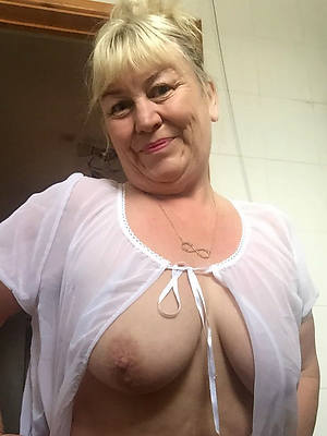 mature grandma free hd porn pics