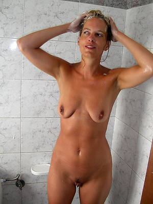 hotties mature woman in shower revealed pics