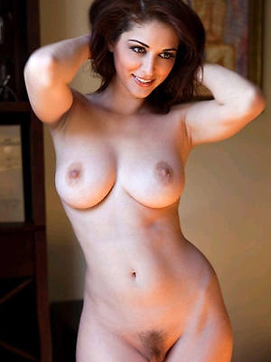 grown-up models uk age-old pussy