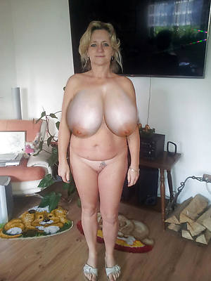 adorable undressed big tit mature thumbs