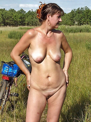 hellacious hottest women nude pics