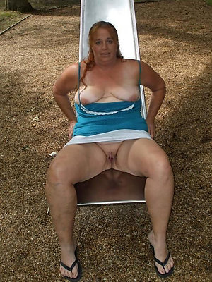 naught mature outdoor nudes pics