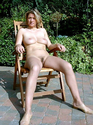 porn pics of mature women outdoors