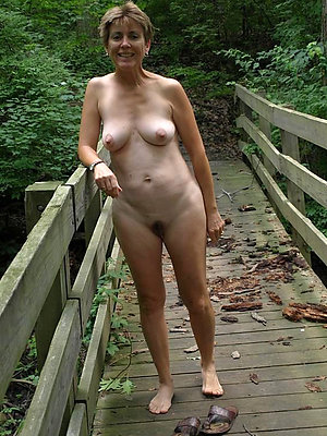 hotties nude outdoor mature pics