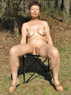lovely outdoor full-grown pussy
