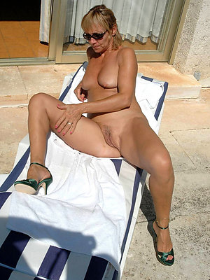 beautiful free mature outdoor