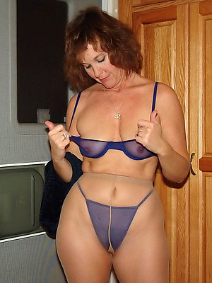 mature moms in pantyhose hallow porn
