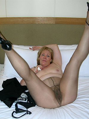 slutty mature pantyhose gallery