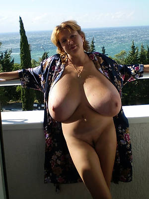 xxx full-grown broad in the beam bosom pictures