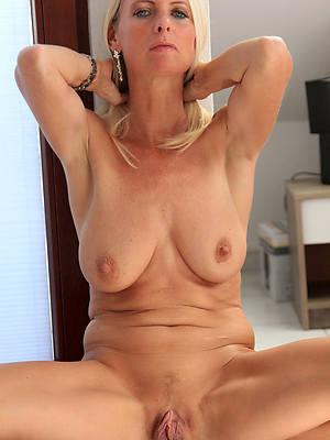 Hot mature blonde porn