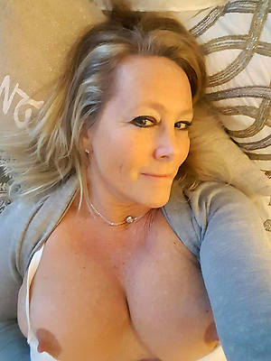 lay bare grown up women selfies ameture porn pics