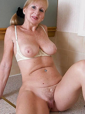 50 women over naked mature Solo: 120,742