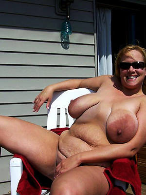 curvy mature saggy titty porn