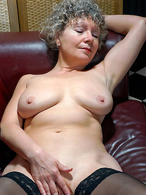 female parent solo nude pics