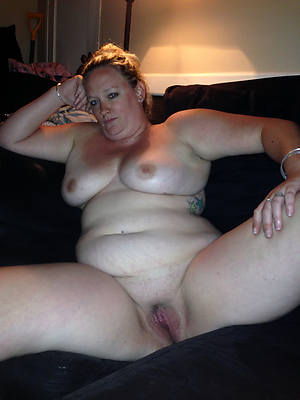 curvy hot grown-up solo pics