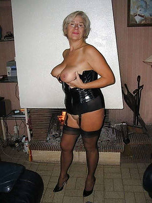 mature gentry in latex porn sheet download