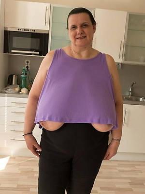 mature saggy tits sex pics