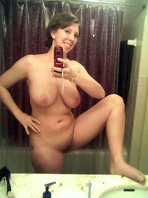 full-grown hot self bare pics