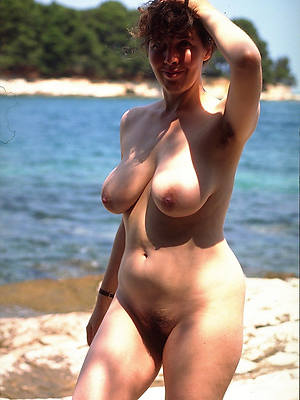 xxx natural full-grown amateurish breast