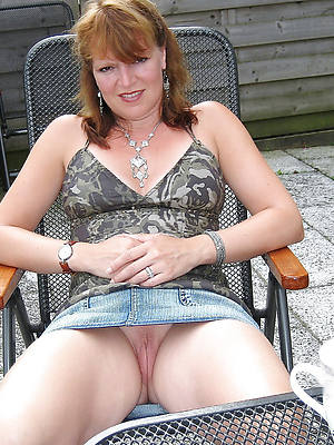 curvy hot grown-up column with jeans