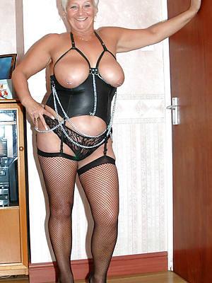 amateur mature women in latex photos