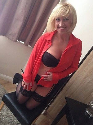 uk mature moms pics