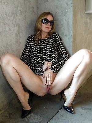 mature cissified masturbating