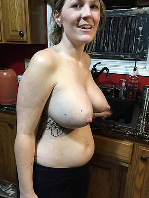 huge nipple mature porno pictures