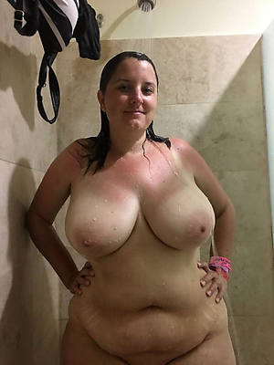 really mature women in the shower pic