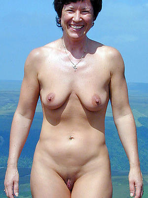 women with saggy breasts posing nude
