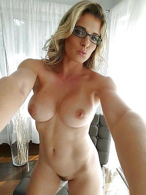 ripsnorting titillating selfies of age women