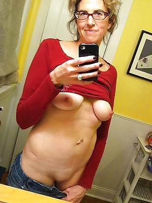 super-sexy materfamilias hot selfies images