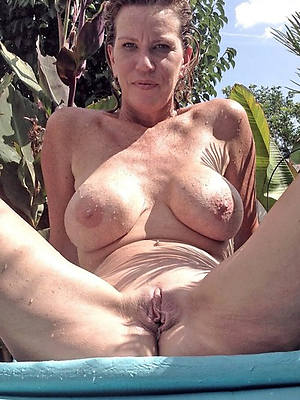 real of age mom hot pics