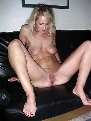 chubby mature battle-axe porno pics