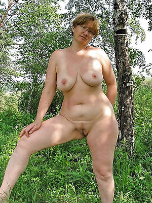 mature natural breast porn pic download