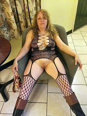 mature nudes over 50 home pics