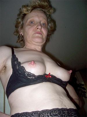 mature women big nipples porn pic download
