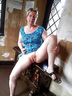 naked pics be incumbent on full-grown vulva