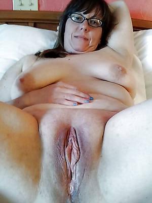 amateur grown-up vulva pics